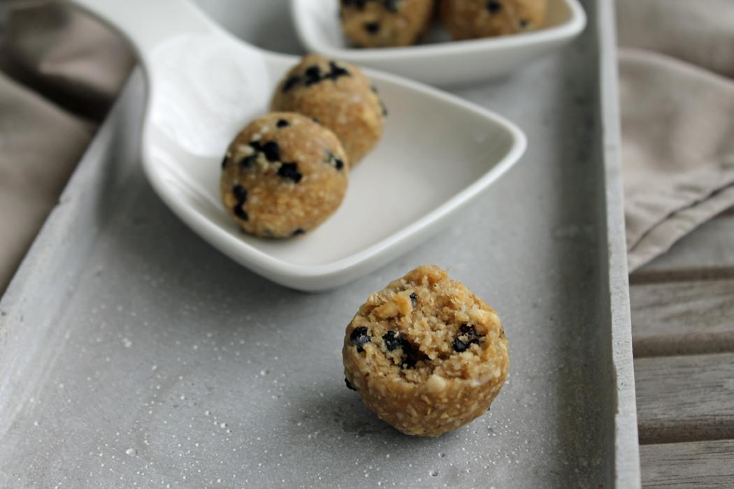 Blaubeer-Muffin-Energy-Balls1