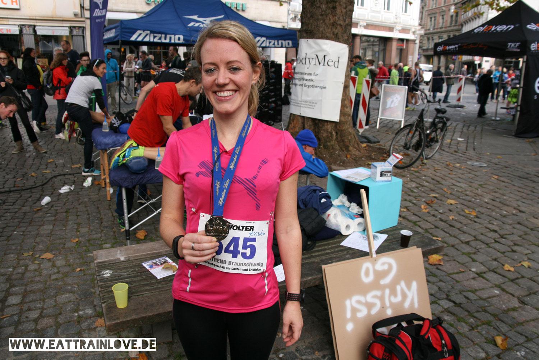 Erster-Halbmarathon-Kristin-von-Eat-Train-Love