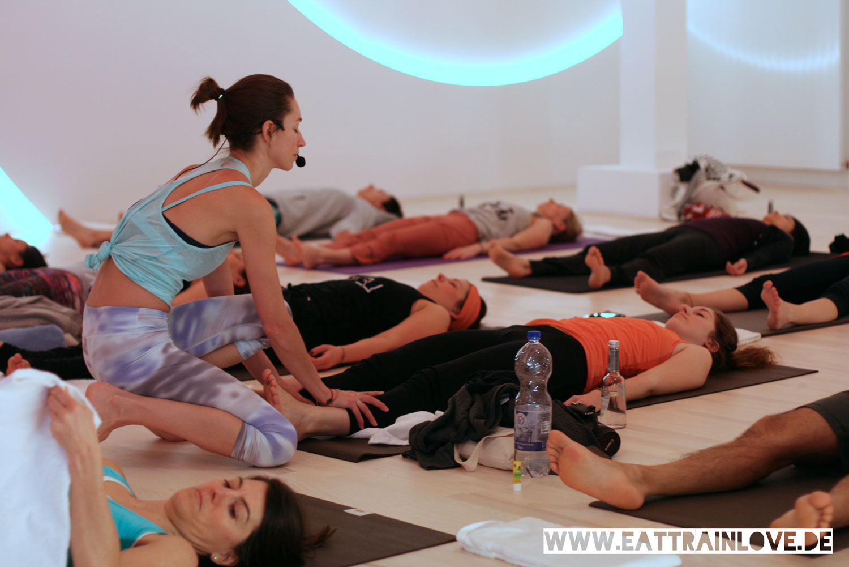 Strala-Yoga-Shavasana