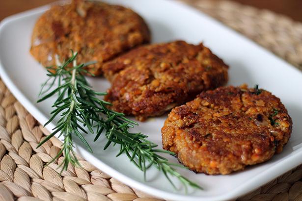 Vegan_grillen_Couscous_Rote_Linsen_Burger