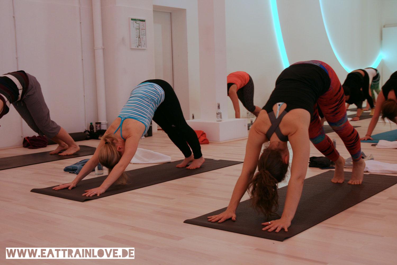Yoga-Class-im-Relevel-Köln