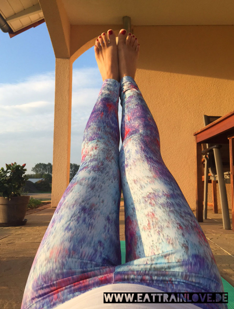 Yoga-Tights-2015-Under-The-Same-Sun-Open-Mind